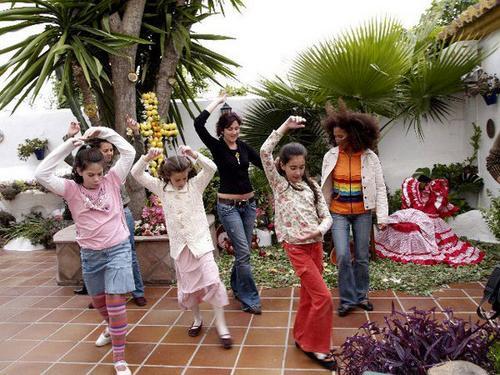 lrg-14-clase_de_flamenco_con_ni__os_600x450