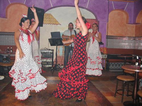 lrg-244-bailando_sevillanas_600x450