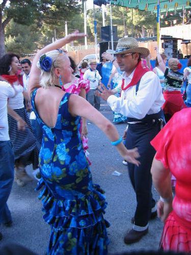 lrg-27-Estudiante_bailando_flamenco_450x600__1_