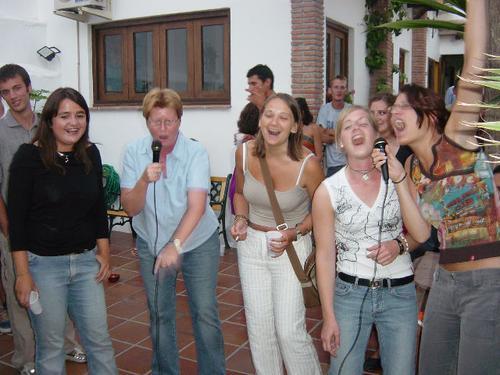 lrg-5-karaoke
