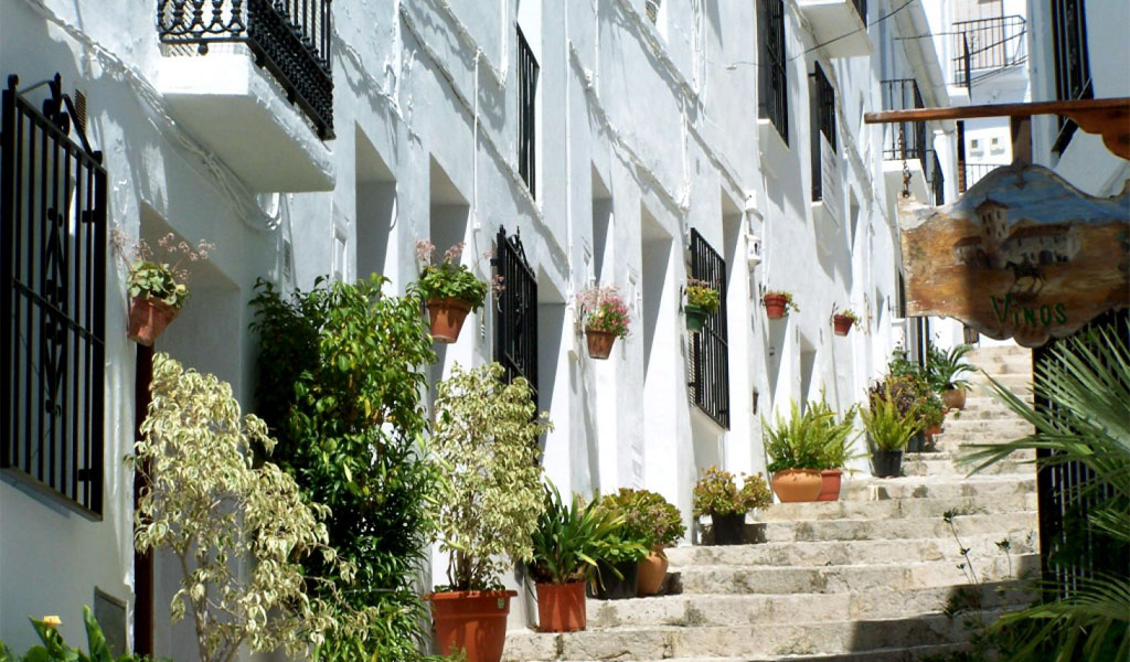 Frigiliana Tour from Nerja. Learn about our Spanish History.